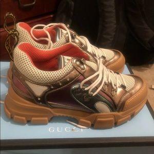 d359003c23d Gucci Shoes - 💯 Authentic Gucci Flashtrek Sneakers